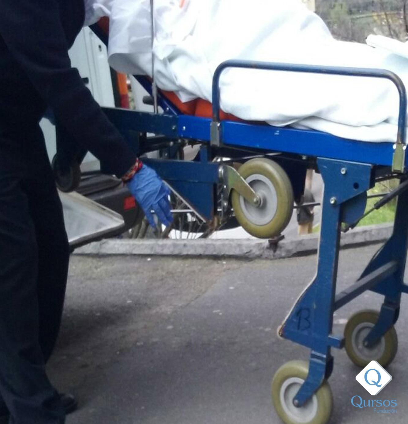 Funciones específicas del celador-conductor en el transporte sanitario